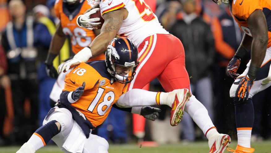 denver broncos quarterback peyton manning 18 hits kansas city chiefs