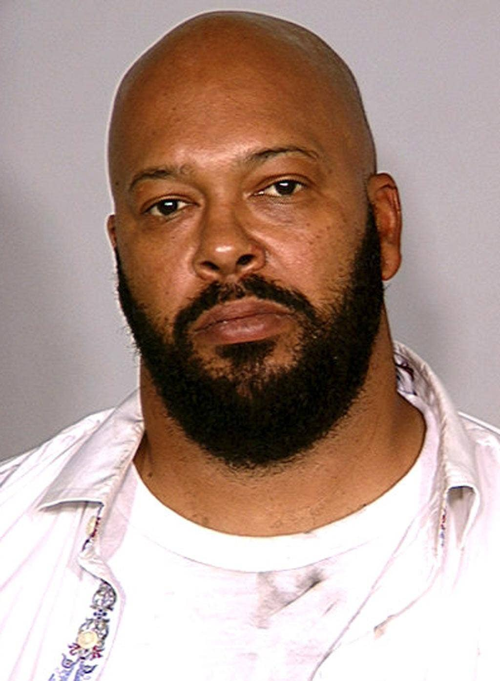 Suge Knight earned a  million dollar salary - leaving the net worth at 200 million in 2017