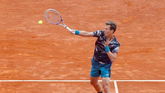Sixth-seeded Tomas Berdych overwhe