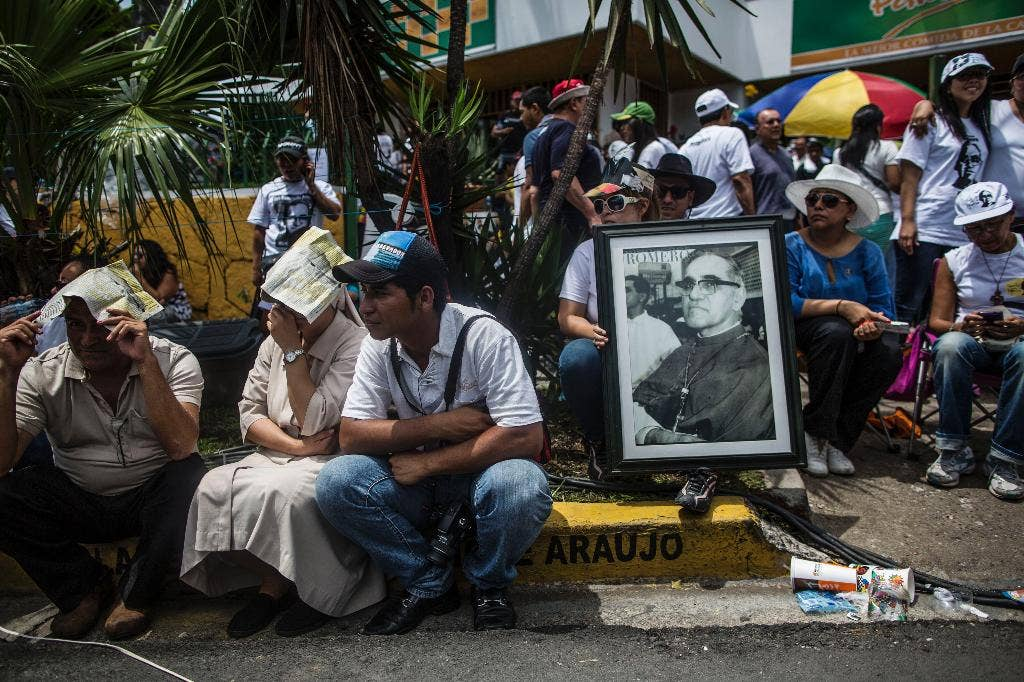 Pope Urges Faithful To Take Heroic Ex le Slain Salvadoran Bishop Killed For together with 467432656 furthermore 467432656 additionally 463357920 besides Oscar Romero Life Timeline. on oscar romero beatified