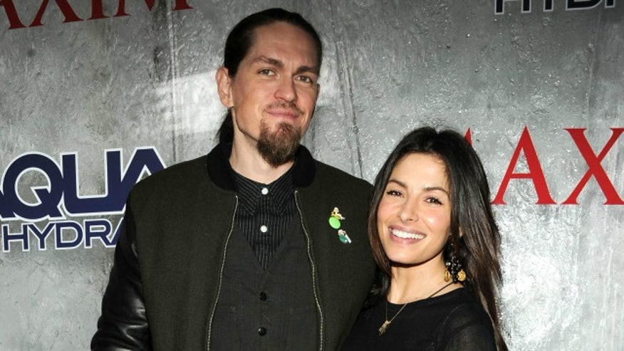 'Person of Interest' star Sarah Shahi gives birth to twins ...