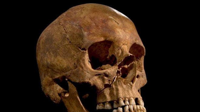 King Richard III buried in hasty grave, archaeologists find