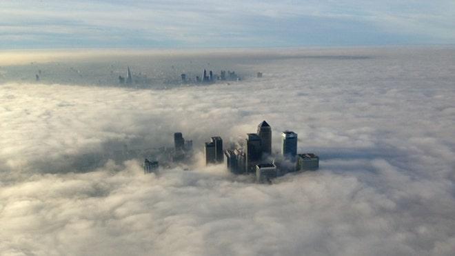 Heavy fog enshrouds london
