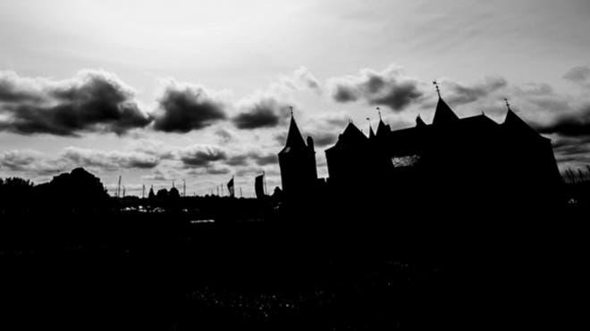 Photo shows 'UFO' above medieval castle
