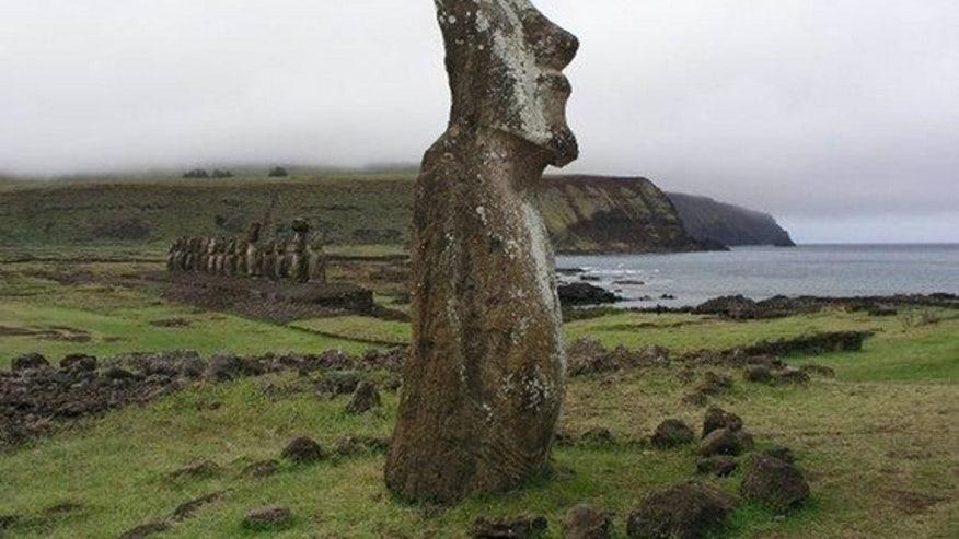 ahu-tongariki-moai-statues