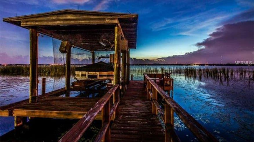 Boat-dock-e84bd58f9d22e410VgnVCM100000d7c1a8c0____
