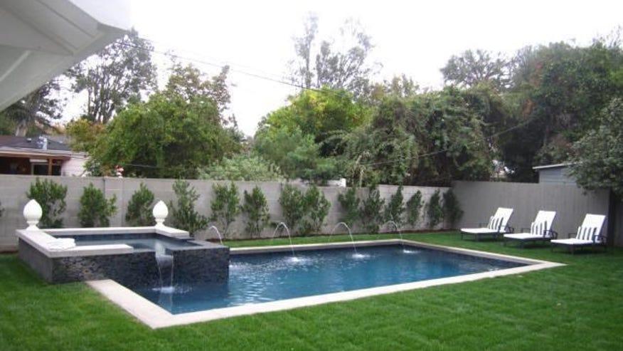 Owens-pool-380bd58f9d22e410VgnVCM100000d7c1a8c0____
