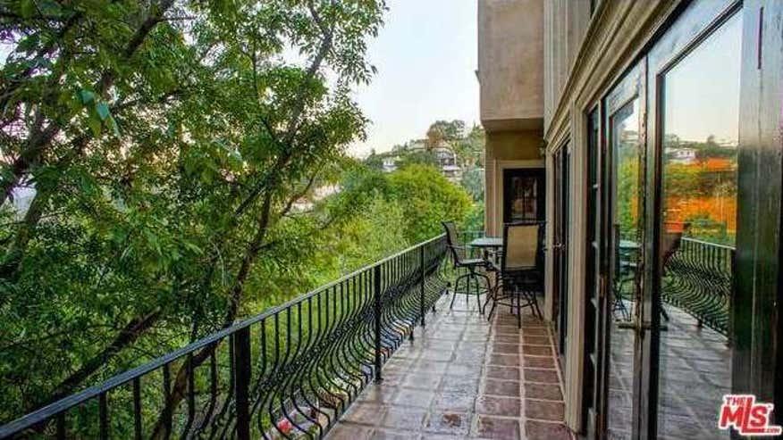 balcony1-2e5bd58f9d22e410VgnVCM100000d7c1a8c0____