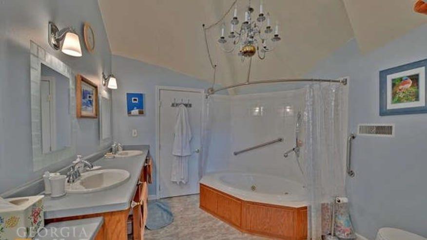 bathroom-5d1ec1710122e410VgnVCM100000d7c1a8c0____