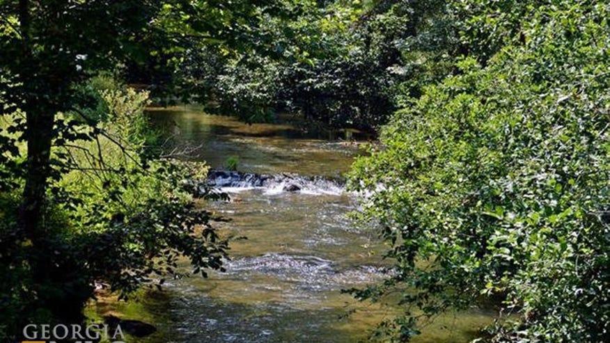 creek-5d1ec1710122e410VgnVCM100000d7c1a8c0____