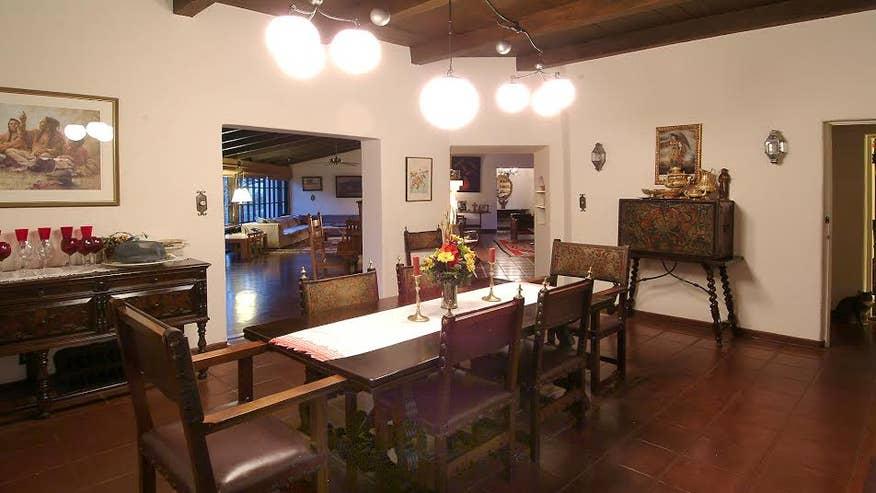 marvin-dining-room-0c0cd58f9d22e410VgnVCM100000d7c1a8c0____