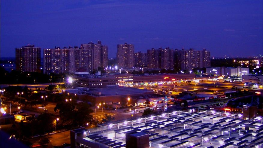 Co-op-City-New-York-1024x763-21d1d58f9d22e410VgnVCM100000d7c1a8c0____
