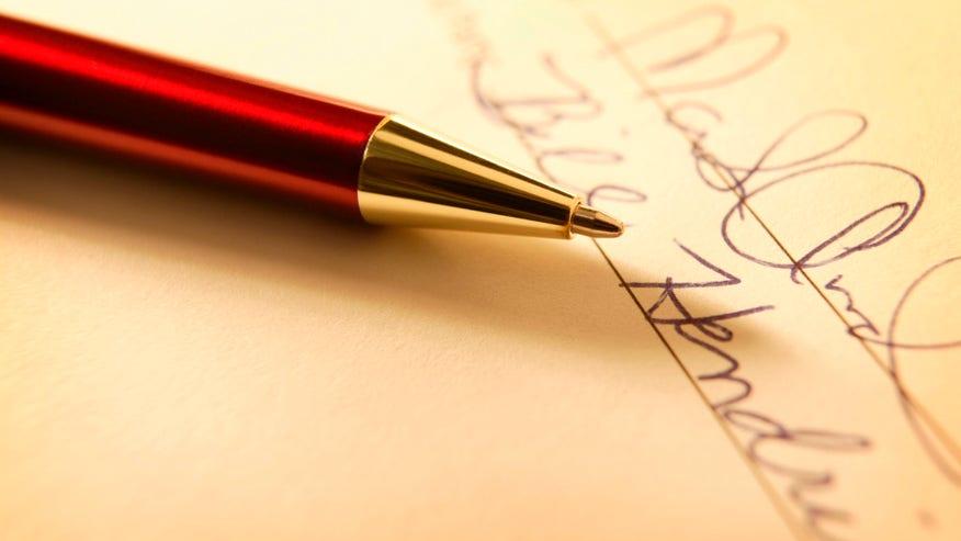 Contract-signing-1024x6702-14c1d58f9d22e410VgnVCM100000d7c1a8c0____