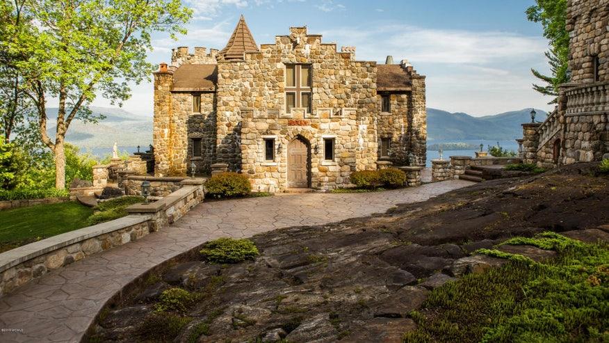 Highlands-Castle-6b437f94e252e410VgnVCM100000d7c1a8c0____