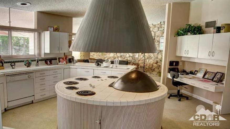 honeymoon-hideaway-kitchen-2-cb4cd0519792e410VgnVCM200000d6c1a8c0____