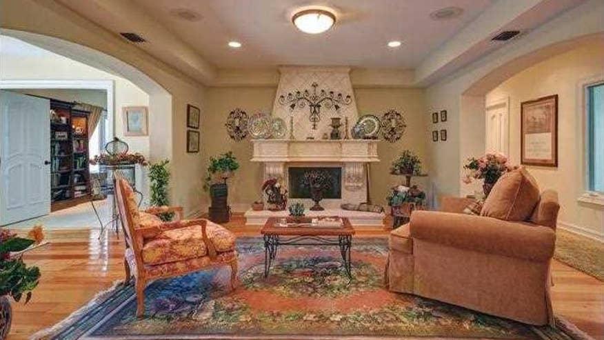 cassidy-living-room1-40442f2807b4e410VgnVCM100000d7c1a8c0____