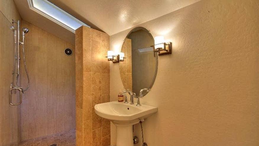 bathroom-07ef44d93eb6e410VgnVCM100000d7c1a8c0____