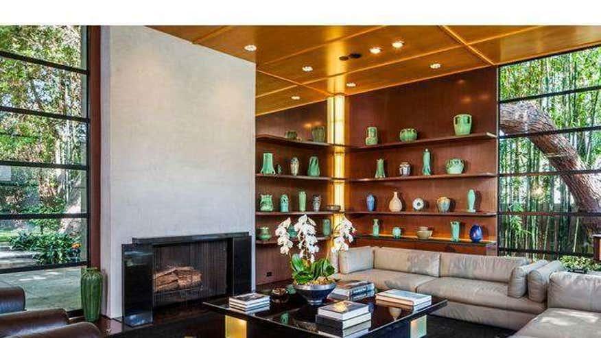 bruckheimer-living-room-77c603746288e410VgnVCM100000d7c1a8c0____