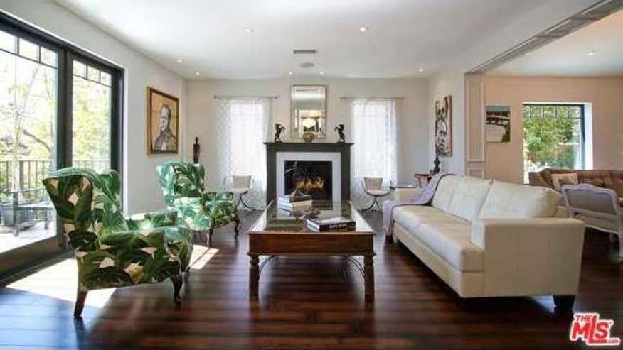 5211-franklin-living-room2-0e56ea94c739e410VgnVCM100000d7c1a8c0____