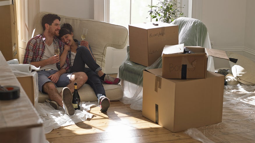 new-house-move-in-26b19b255edae410VgnVCM100000d7c1a8c0____