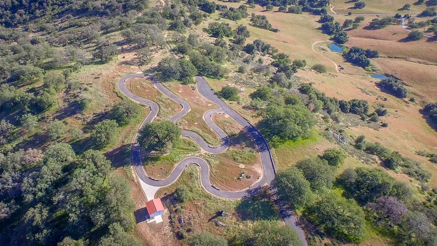 Los-Robles-Ranch-aerial-track-by-Er-3f97ad4d077be410VgnVCM100000d7c1a8c0____