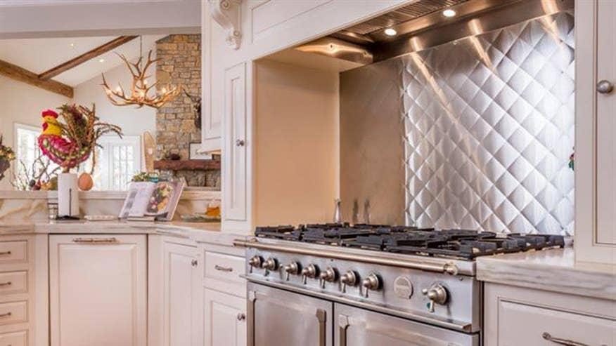 zipline-house-kitchen-61ee1abd780de410VgnVCM100000d7c1a8c0____