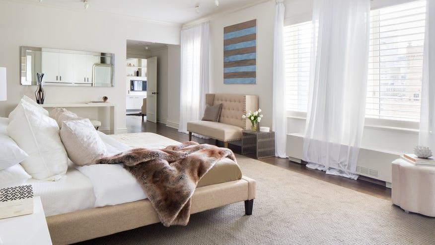 trump-penthouse-bedroom-16afb9a3492de410VgnVCM100000d7c1a8c0____