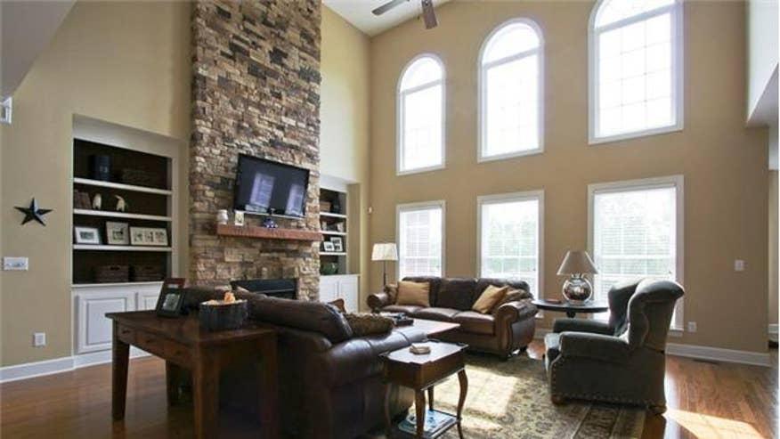 Suter-Living-Room-ddc2ec9fcd0ee410VgnVCM100000d7c1a8c0____