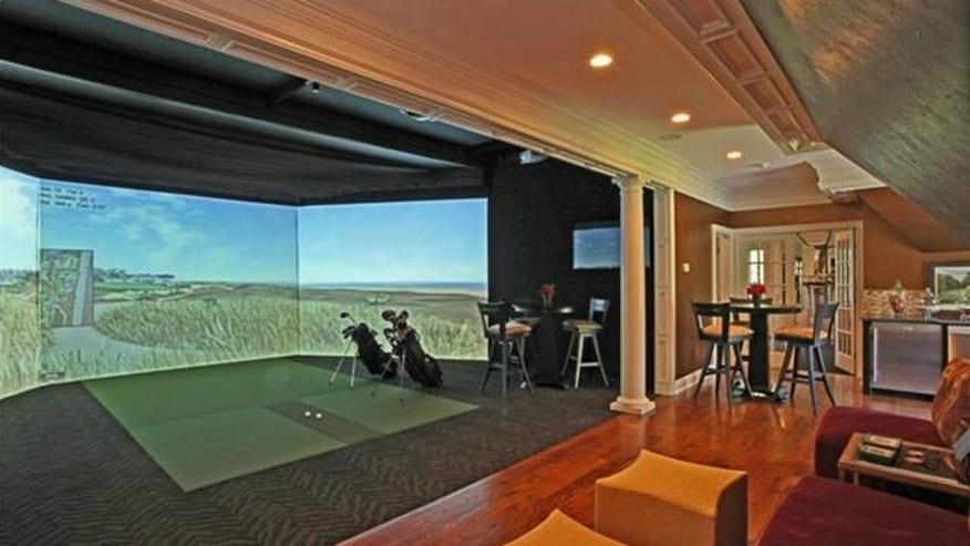 brdigewater-indoor-golf-e1438365569-a0749d8123fee410VgnVCM200000d6c1a8c0____