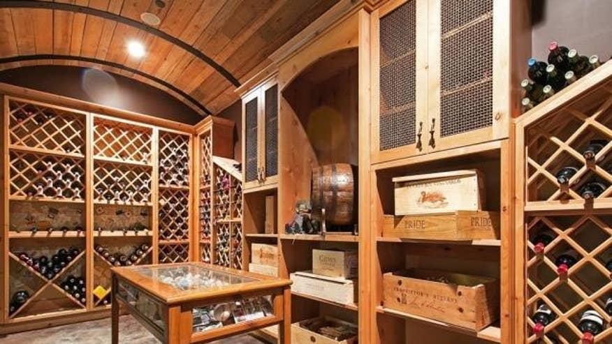 cormier-wine-room-86d59808447fe410VgnVCM100000d7c1a8c0____