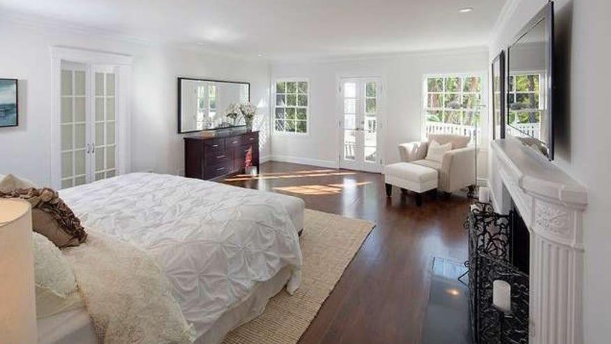 Benda-bedroom-e1439313475953-fd0b674a84e1f410VgnVCM100000d7c1a8c0____