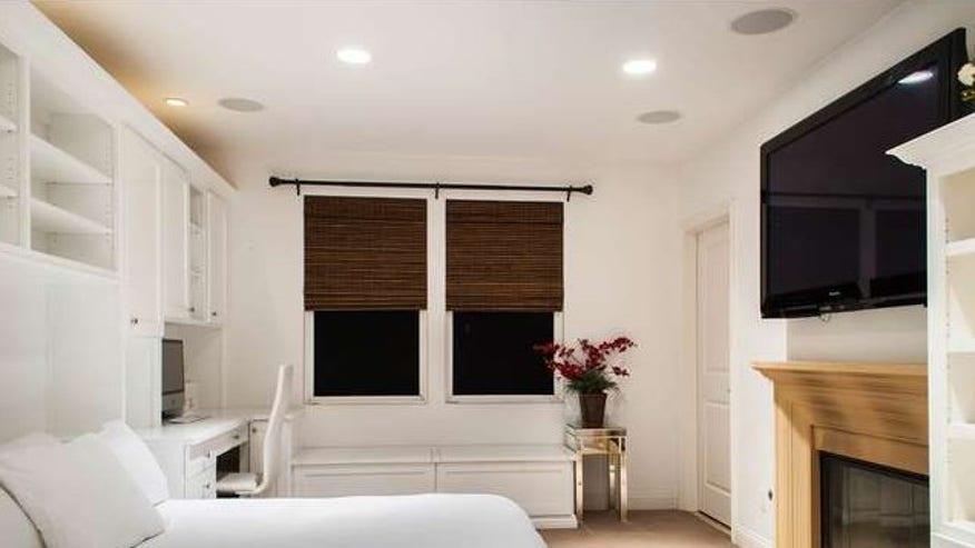 bedroom-e1439316256701-4072674a84e1f410VgnVCM100000d7c1a8c0____