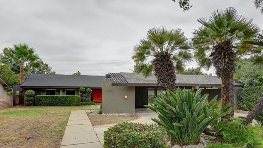 2780-Thorndike-Rd-Pasadena-CA-ext-81039e39ae12f410VgnVCM100000d7c1a8c0____