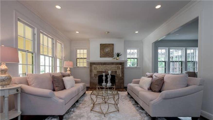 living-room-cb03a6f01362f410VgnVCM100000d7c1a8c0____