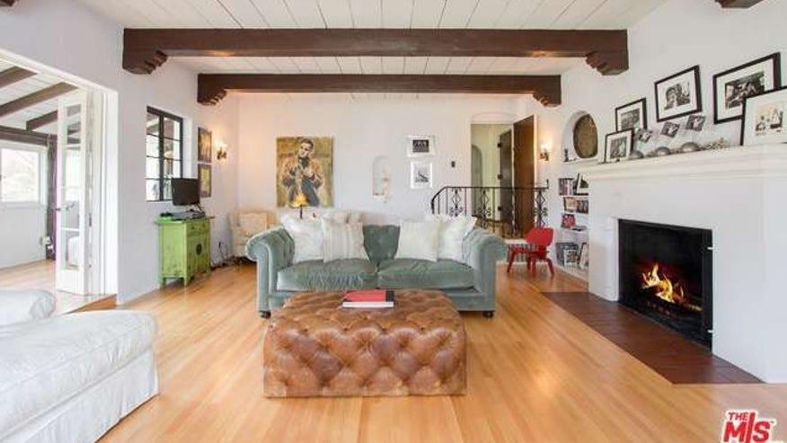 Durst-living-room-e1439875956128-89d0bc020b04f410VgnVCM200000d6c1a8c0____