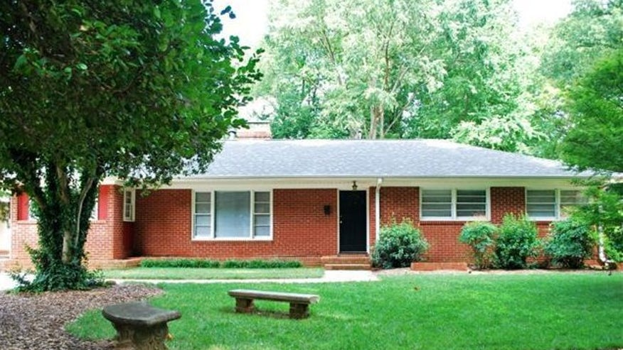 NC-shelter-home-exterior-e143992188-d6d5a4adc524f410VgnVCM100000d7c1a8c0____