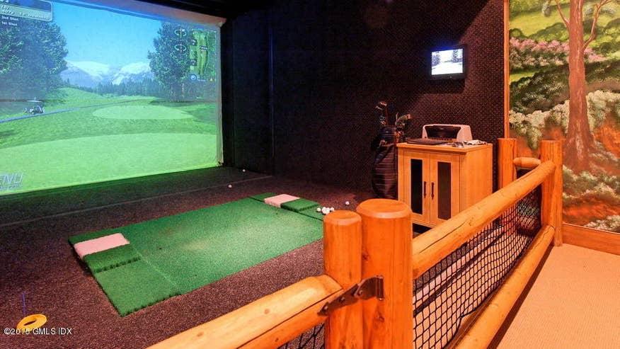 golf-simulator-d0eda5734a14f410VgnVCM100000d7c1a8c0____