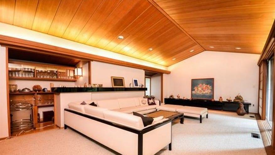 NY-Japanese-house-living-room-e1440-044838407066f410VgnVCM100000d7c1a8c0____