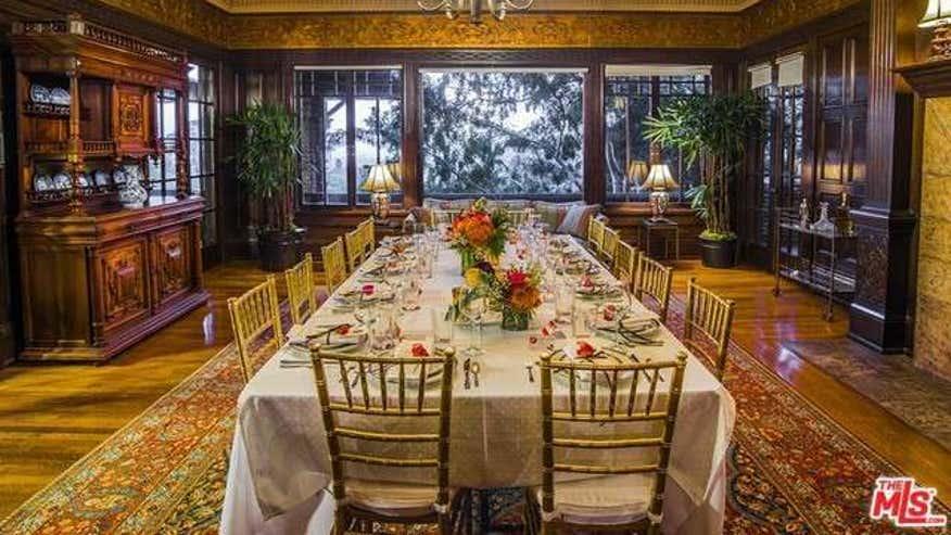 Dining-Room-acac552b2257f410VgnVCM200000d6c1a8c0____