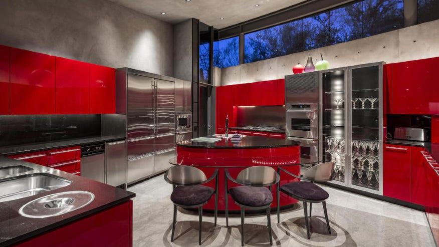 Scorpion-House-kitchen-1024x683-89b62728a7a8f410VgnVCM100000d7c1a8c0____
