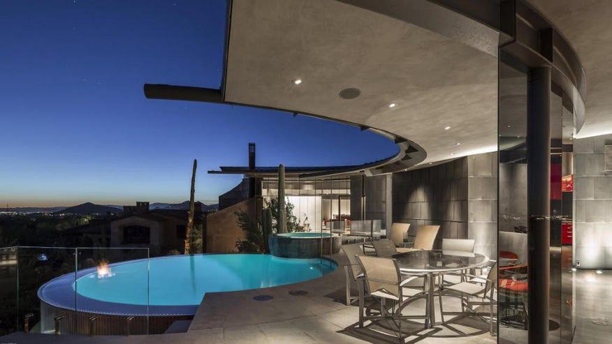 Scorpion-House-pool-1024x683-89b62728a7a8f410VgnVCM100000d7c1a8c0____