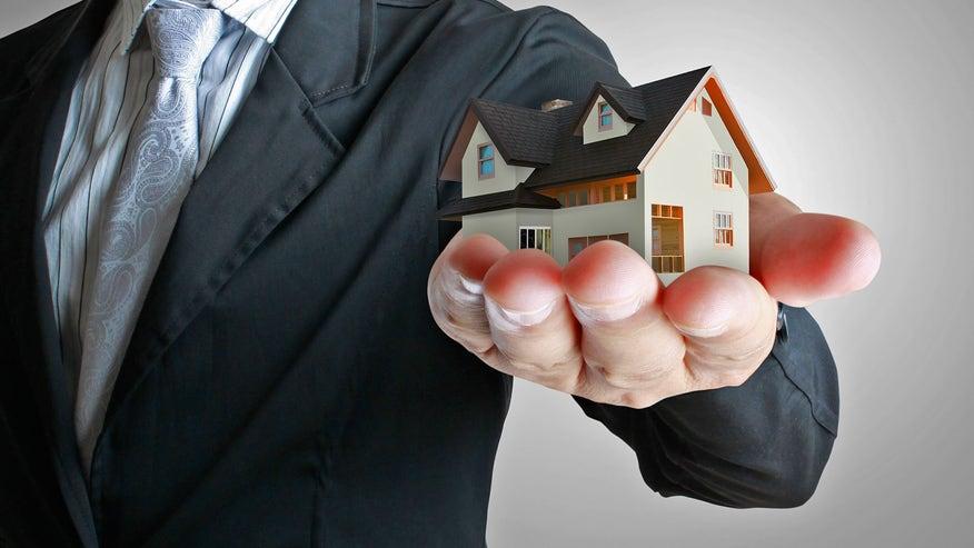 mortgage-suit-c6fc231cf449f410VgnVCM100000d7c1a8c0____