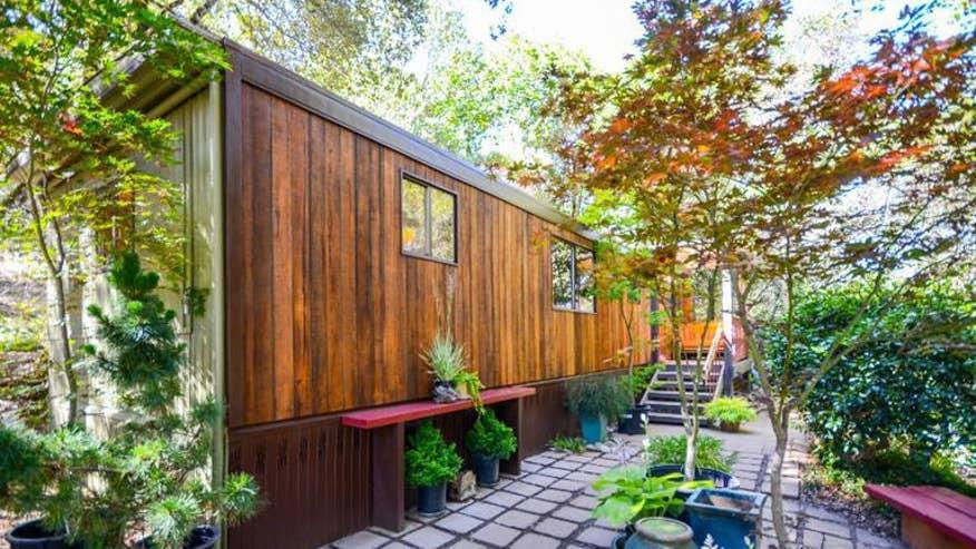 Tiny-Sonoma-House-fefe311710a9f410VgnVCM100000d7c1a8c0____