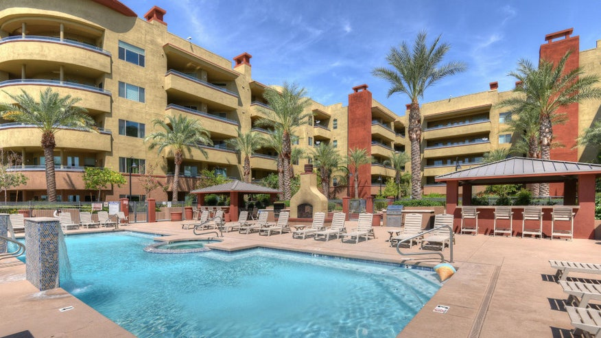 Outman-condo-outside-9342eded3aeaf410VgnVCM100000d7c1a8c0____