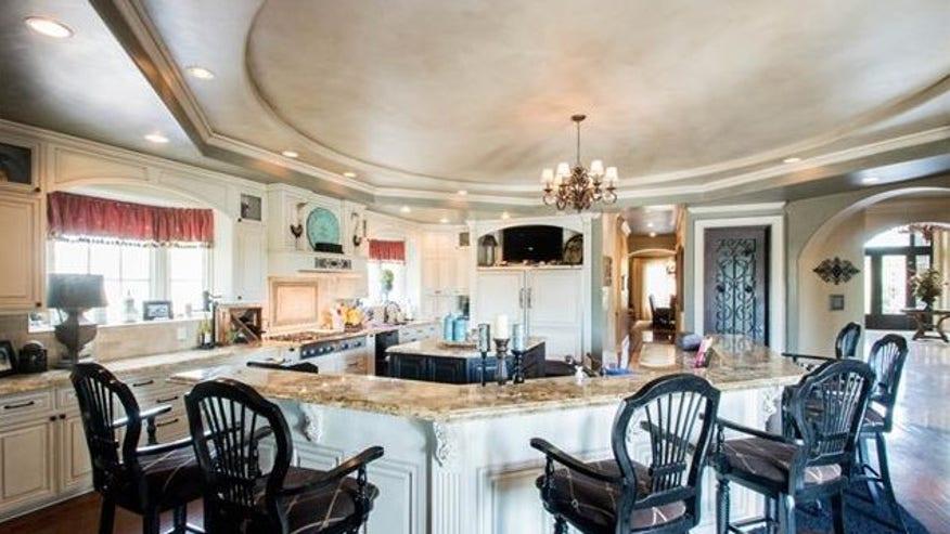 redman-kitchen-e1441914593674-86301a00ad8bf410VgnVCM100000d7c1a8c0____