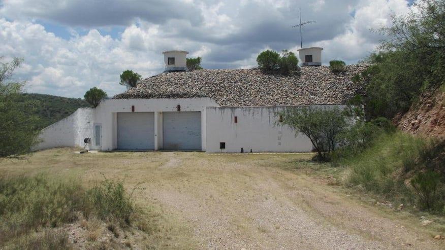 ... , No Problem: An Above-Ground 'Underground' House for Sale in Arizona