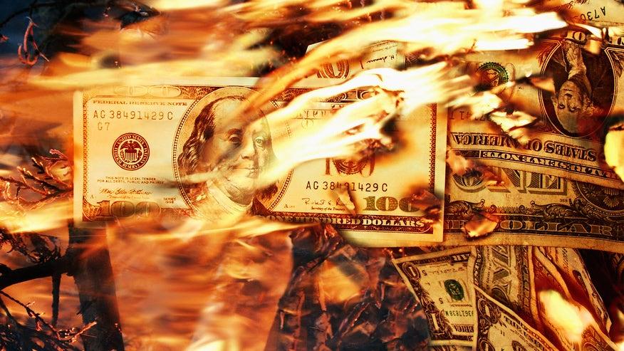 burning-money-7e20e8ce927df410VgnVCM100000d7c1a8c0____