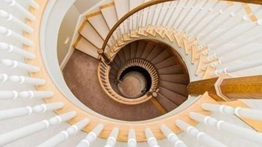schilling-staircase-e1442357076529-2e4b5633bf5df410VgnVCM100000d7c1a8c0____