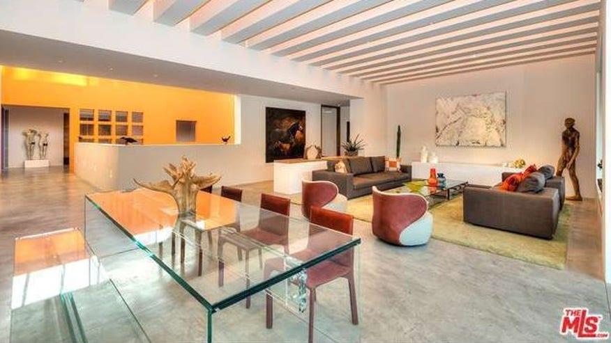 legoretta-living-room-e144365136214-fac4043b93420510VgnVCM100000d7c1a8c0____