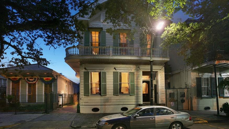 esplanade-house-feature-7944ecb6f7e30510VgnVCM100000d7c1a8c0____